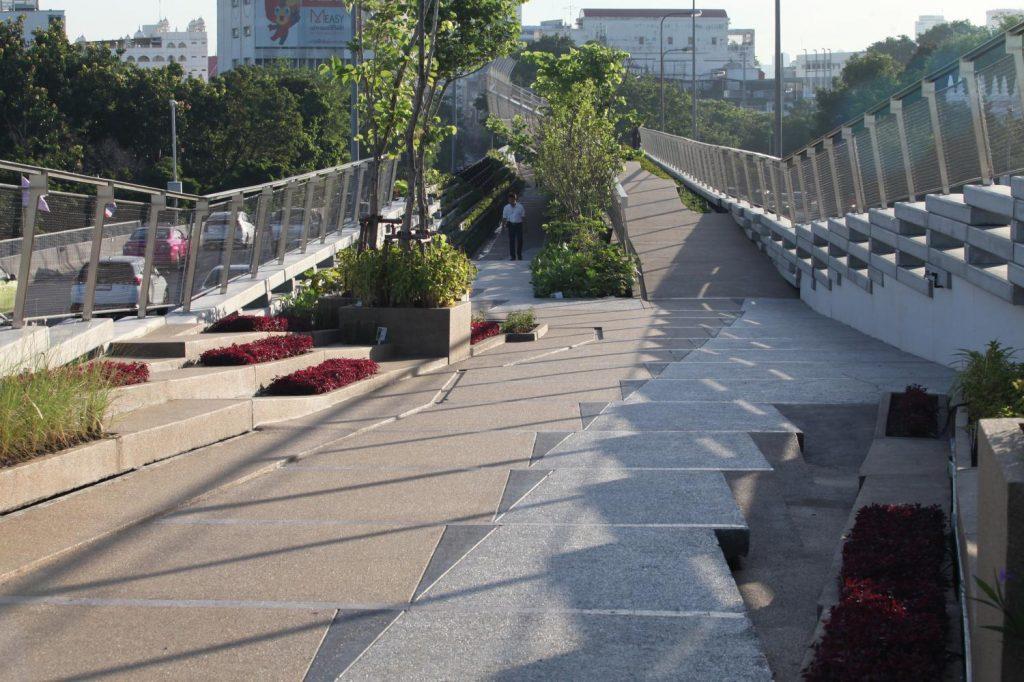 Sky park bridges old Chao Phraya communities