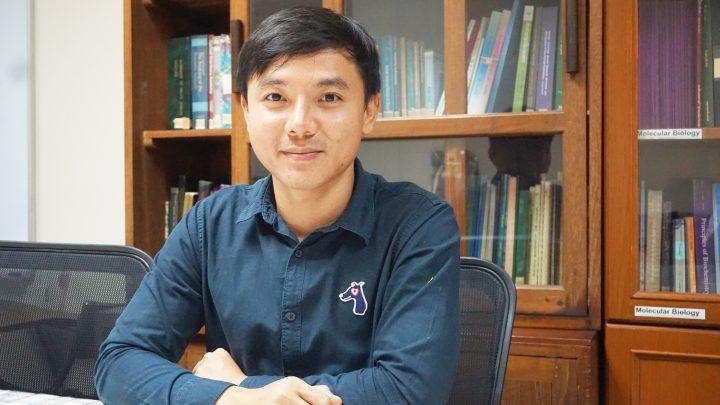 อาจารย์ ดร.ธีรพงศ์ ยะทา อาจารย์ประจำหน่วยชีวเคมี ภาควิชาสรีรวิทยา คณะสัตวแพทยศาสตร์ จุฬาฯ
