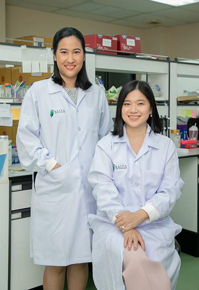 Asst. Prof. Dr. Suthira Taychakhoonavudh and Assoc. Prof. Dr. Waranyoo Phoolcharoen, Faculty of Pharmacy, Chulalongkorn University