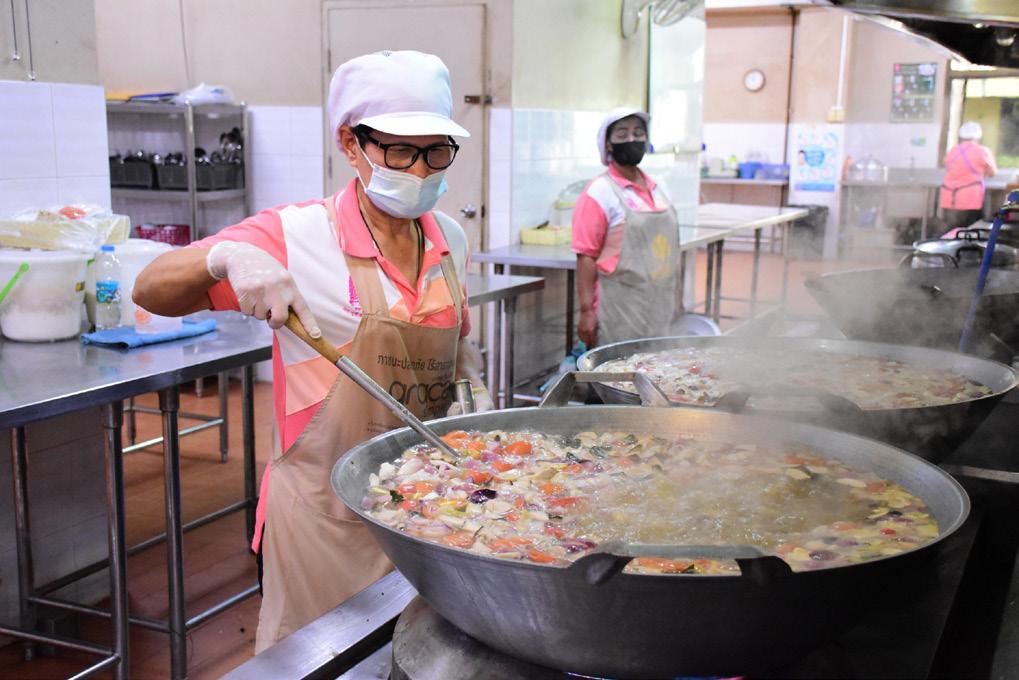kitchen workers attire